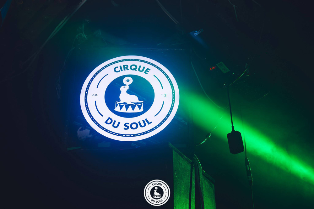 lightbox-cirque-du-sol - custom light box design - wood framed - black gloss